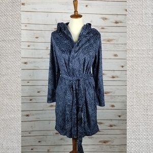 New MAIDENFORM hooded fleece robe